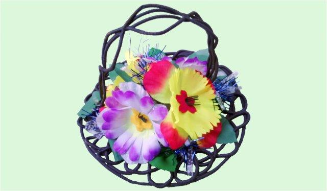 Arrangements: Small country basket