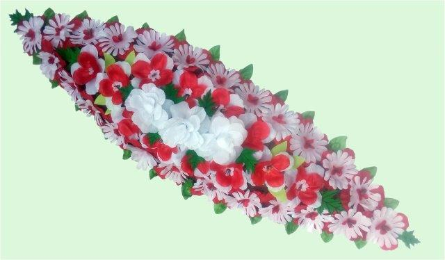 Spray Wreaths: 135cm Plain Spray